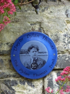 Blue plaque at Plas Llanina