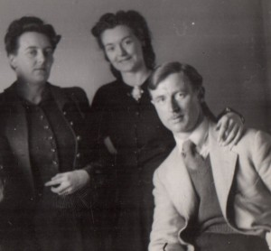Ethel Ross, Mary Janes and Alfred Janes - c.1945